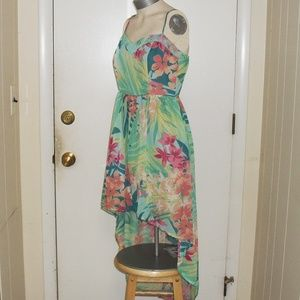 Mimi Chica Dresses - NWOT Green Floral Adjustable Spaghetti Straps  M